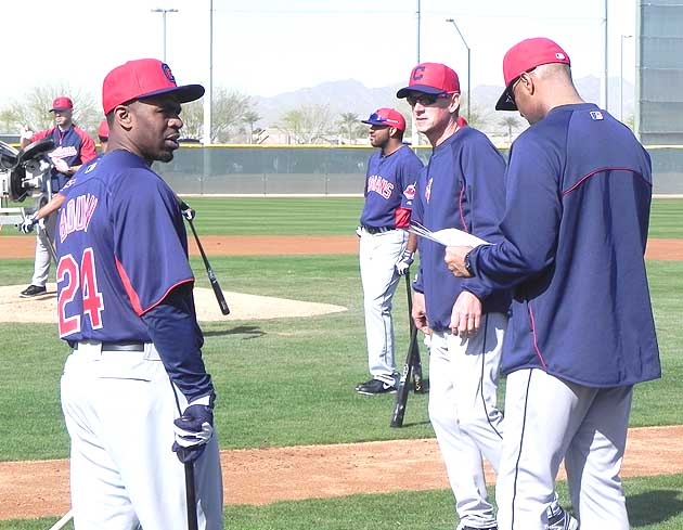 Michael Bourn (and son) get to know Indians