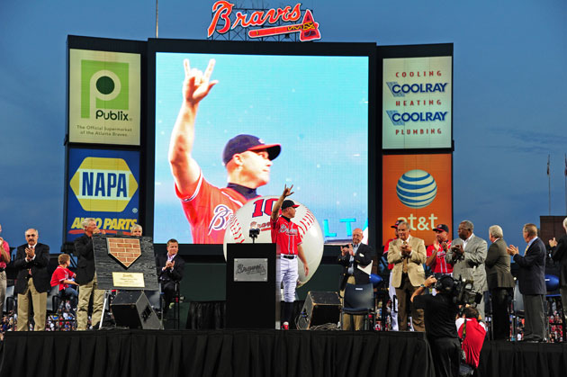Braves fans, brass give Chipper Jones a fine sendoff