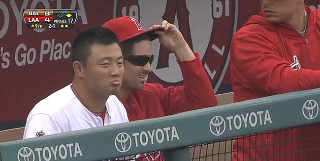 Cool C.J. Wilson makes coolest cap grab of foul ball EVER look …