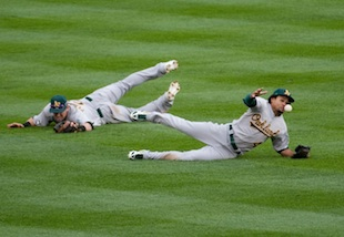 Coco Crisp's error hangs over Oakland as A's fall into 2-0 ALDS…