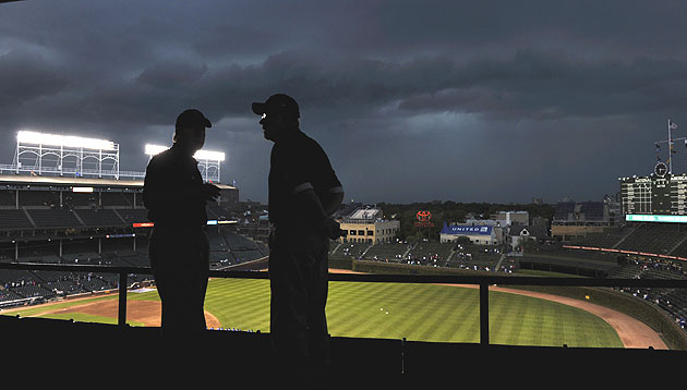 Cubs take back season tickets from alleged scalpers