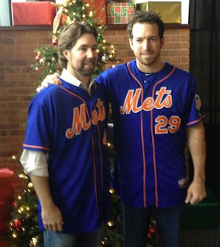 R.A. Dickey shows up at Mets' holiday party, even though team w…