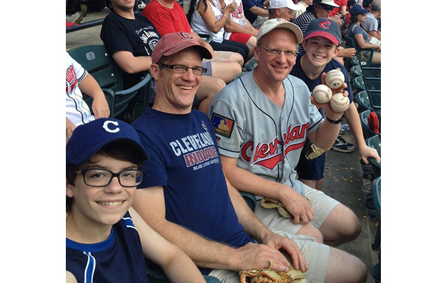 It's his lucky day! Fan grabs four foul balls at Cleveland Indi…