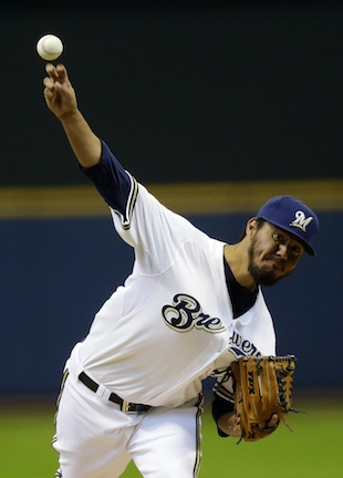 Yovani Gallardo gets a win an