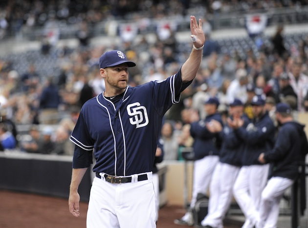 Chase Headley returns to Padres lineup after thumb injury