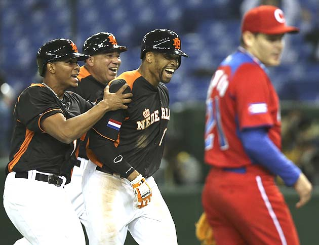 Clutch Dutch stun Cuba, walk off to semis