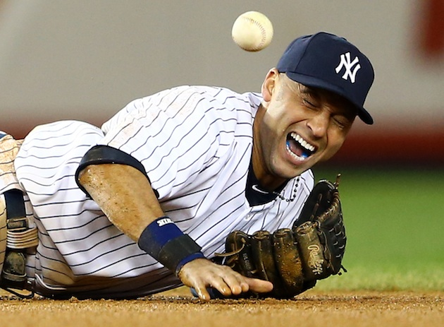 Derek Jeter fractures left ankle in 12th inning, will miss rest…