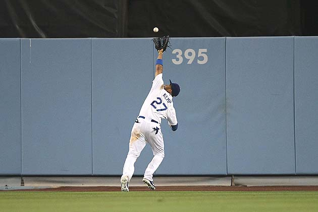 Matt Kemp makes game-saving catch in return from injury