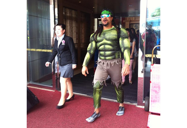 Just Manny being Manny … and being the Incredible Hulk