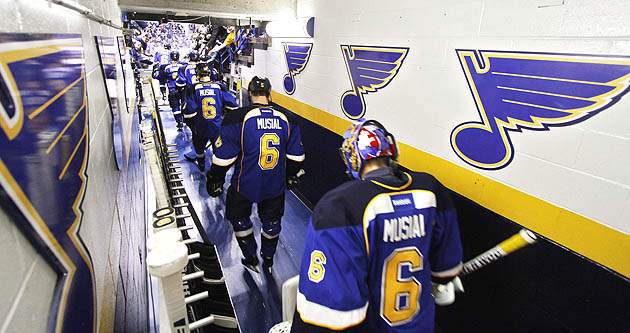 NHL's St. Louis Blues laud Stan Musial by wearing No. 6 sweater…