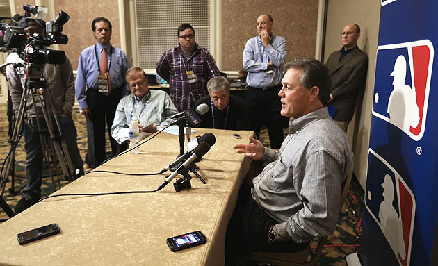 Ned Yost wants Royals to swing for fences in 2013