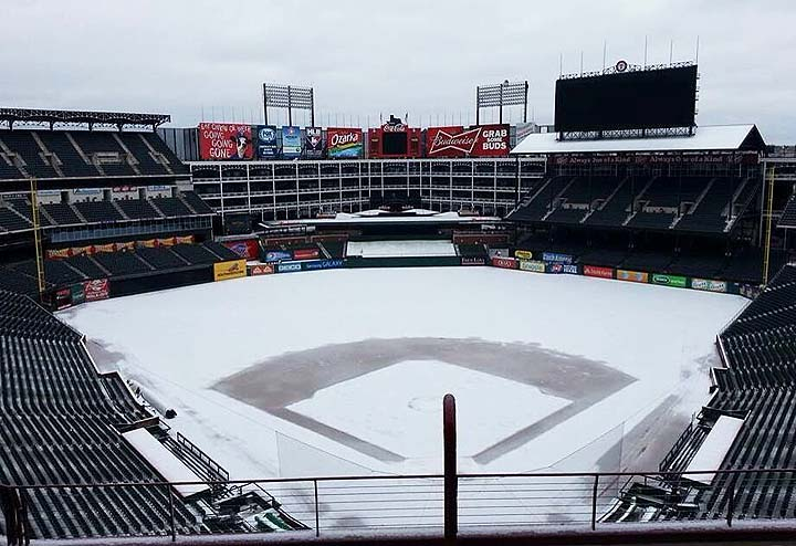 Texas winter wonderland: Rangers Ballpark covered in snow after…