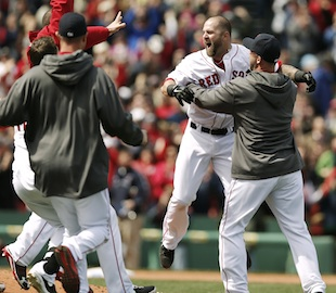 Current and former Red Sox players react to Boston Marathon exp…