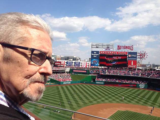 Washington Nationals fan gives away season tickets to honor lat…