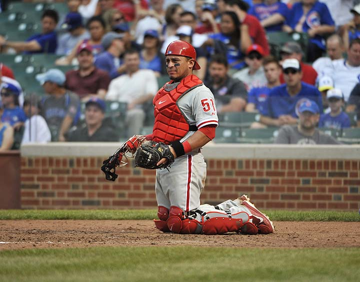 Carlos Ruiz re-signs with Phillies for three years and $26 mill…
