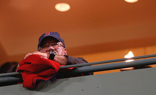 William Shatner treks to Fenway for Red Sox-Rays (Video)