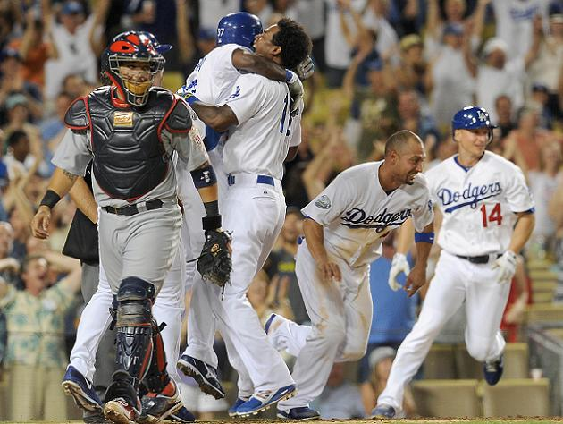 The Juice: Dodgers pull even with Cards in NL wild-card, White …