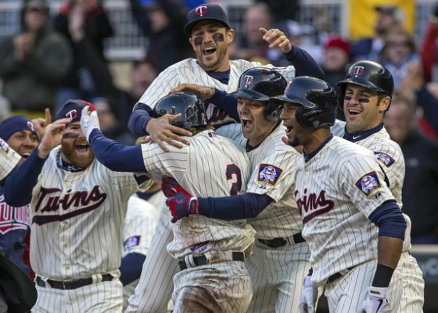 The Juice: Twins rally past Tigers in ninth, Matt Joyce lifts R…