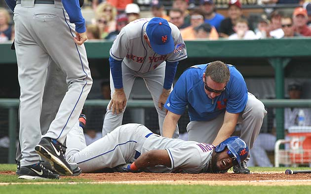 Jordany Valdespin OK after getting hit in sensitive spot by Jus…