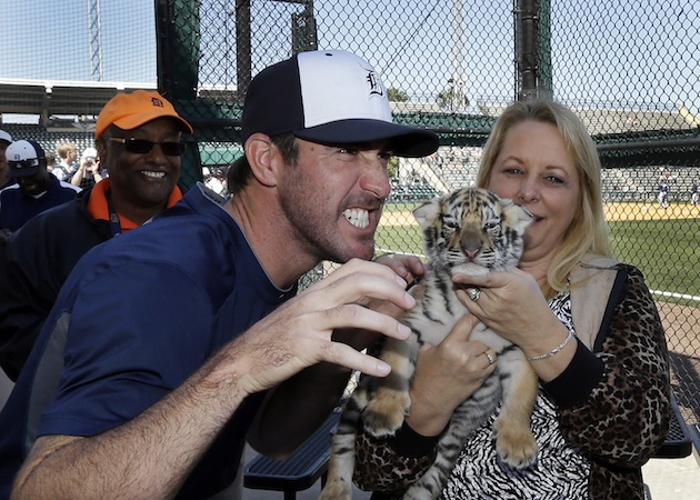 Justin Verlander signs five-year extension, could make $202 mil…