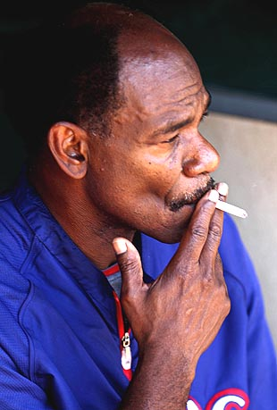TV cameras catch Ron Washington smoking in Texas Rangers dugout