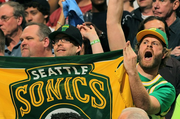 Looming Seattle SuperSonics owner Chris Hansen has announced a …
