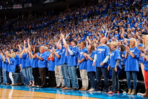 OKC Thunder fan nails halfcourt shot for $20,000, continues dyn…