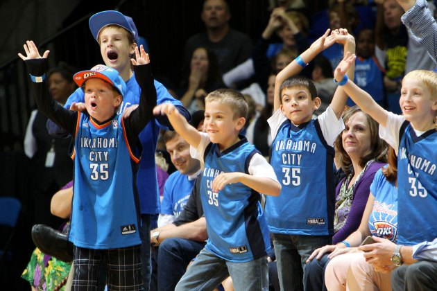 OKC Thunder fan hits $20,000 halfcourt shot in second consecuti…