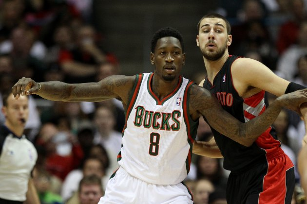 Larry Sanders undergoes surgery on right thumb ligament, out si…