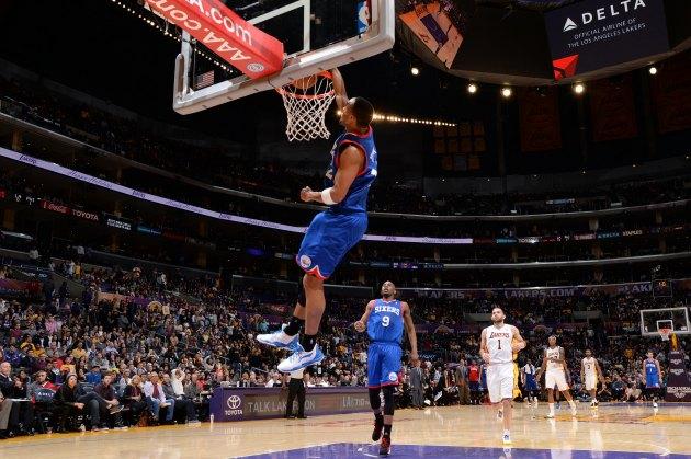 Evan Turner dunks at the buzzer, immediately apologizes to Lake…