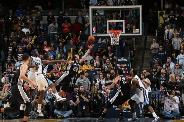 Manu Ginobili's game-winning OT lay-up fends off furious Grizzl…