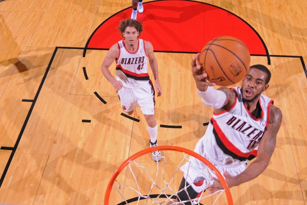 LaMarcus Aldridge scores career-high 44 points, including Blaze…