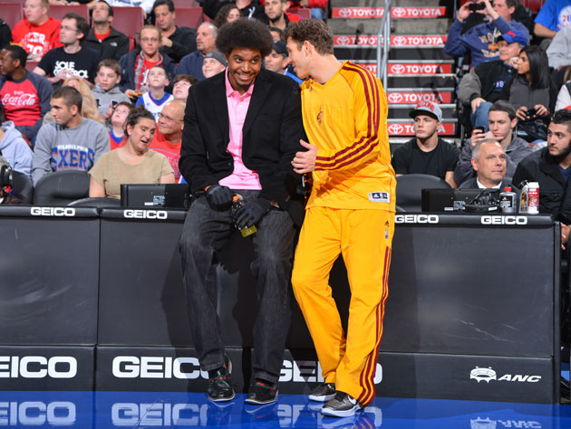 Andrew Bynum's latest, most worrying left knee self-diagnosis: …