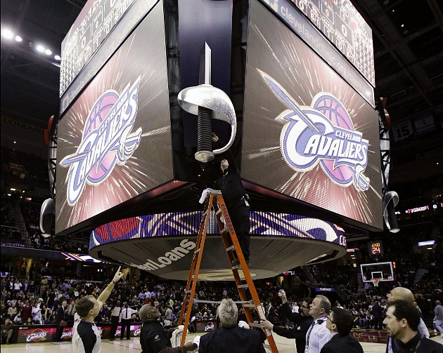 A scoreboard carbon dioxide leak in Cleveland delayed the Caval…