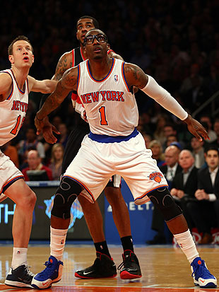 Amar'e Stoudemire gets standing O, struggles in season debut as…