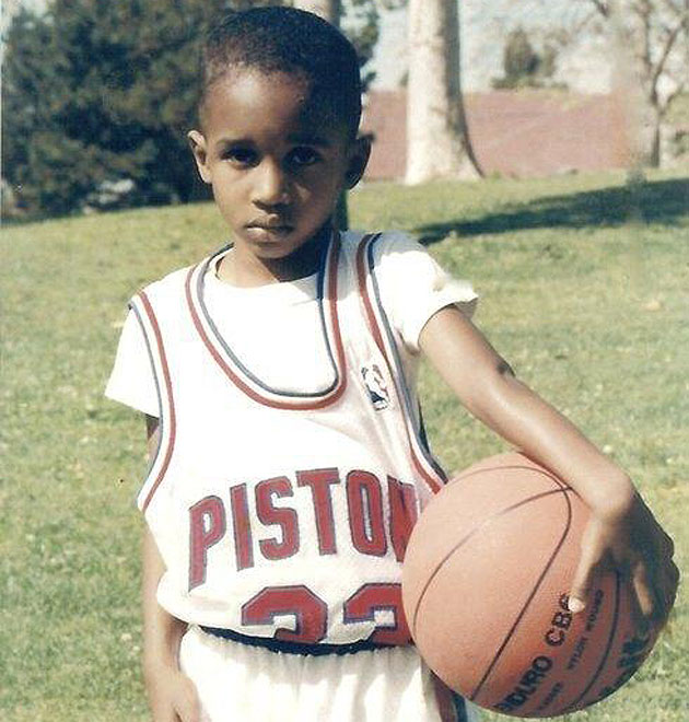 A young Brandon Jennings rocks Grant Hill's throwback Detroit P…