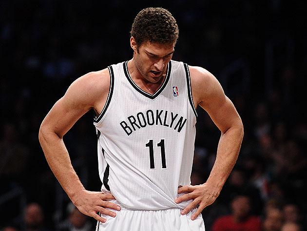 Brooklyn Nets center Brook Lopez suffers broken bone in right f…