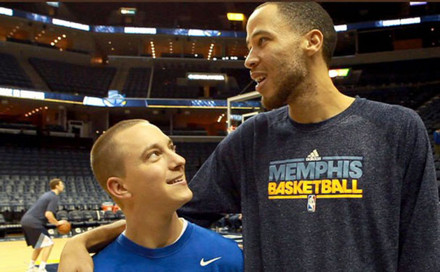 Fan who took off Pistons jersey post-Tayshaun Prince trade meet…