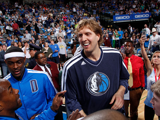 Dirk Nowitzki says he may take a 'significant pay cut' to woo b…