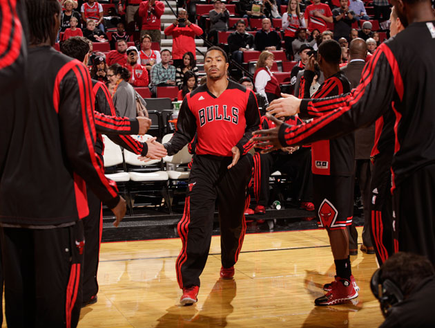 Derrick Rose is out for the season following surgery, as Chicag…