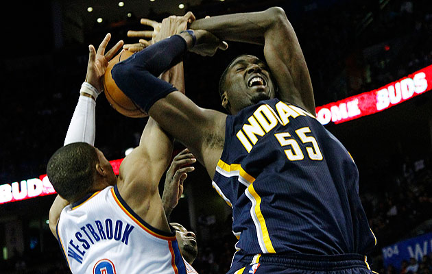 6-foot-3 Russell Westbrook blocks 7-foot-2 Roy Hibbert's dunk a…