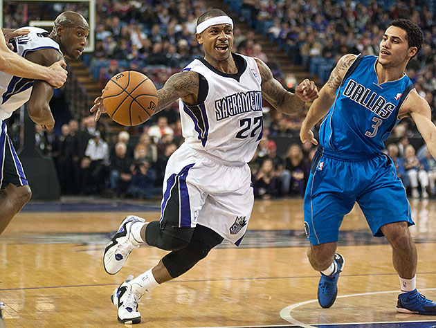 Isaiah Thomas enters starting lineup with a bang in Kings' 112-…