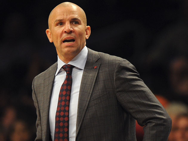 Jason Kidd appears to intentionally spill a drink to buy time l…