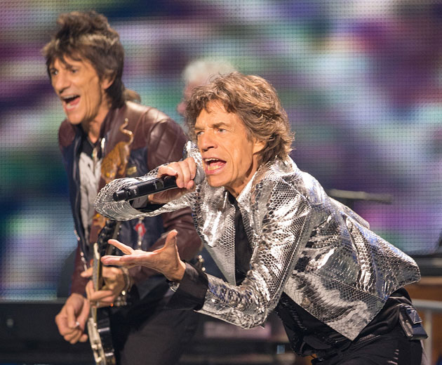 Mick Jagger, who should know, makes fun of how old the Los Ange…