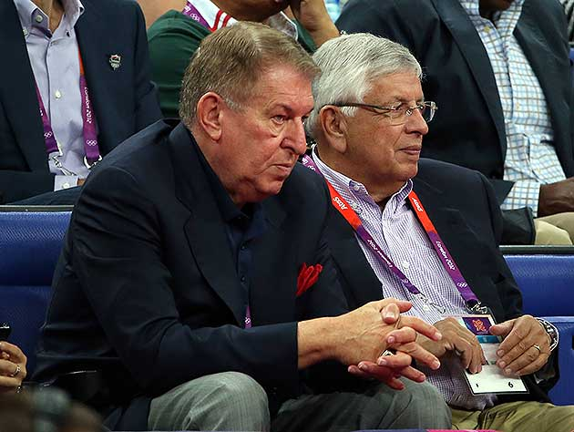 Former Phoenix Suns owner Jerry Colangelo punched a Bulls fan d…