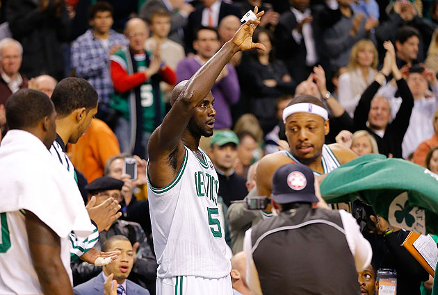 Kevin Garnett scores 25,000th career point in Celtics blowout w…