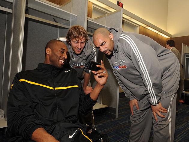 Kobe Bryant rejoins Twitter, so, y'know, #FollowFriday