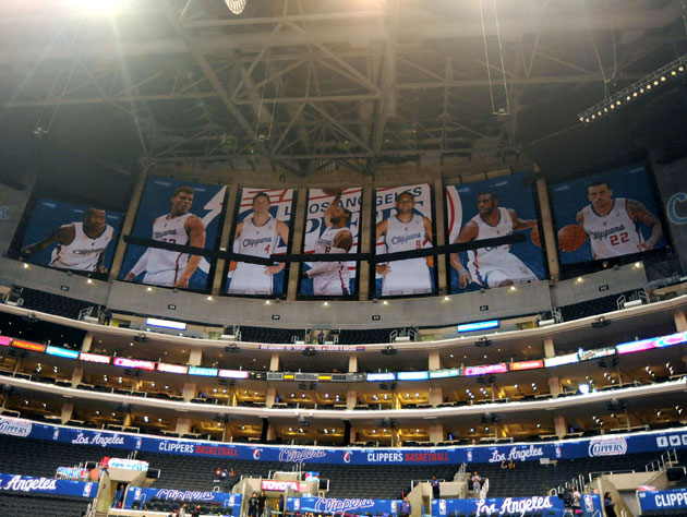 Clippers coach Doc Rivers makes the call to cover the Lakers ch…