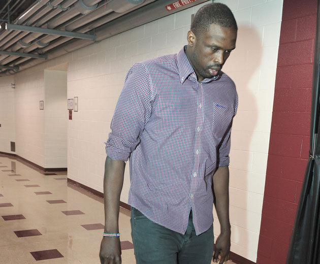 Luol Deng reveals he has lost 15 pounds, was playing through a …