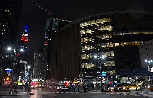 N.Y. City Council gives Madison Square Garden, home of the Knic…